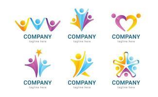conjunto de logotipo humano com conceito de trabalho em equipe vetor