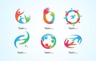 logotipos de trabalho em equipe com cores de personalidade diferentes vetor