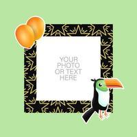 moldura de foto com desenho animado de tucano e balões