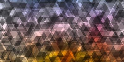 fundo azul, roxo e amarelo com triângulos.