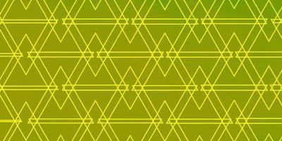 fundo verde e amarelo com triângulos.