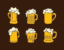 Desenhada mão dos vidros de cerveja Vectors