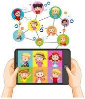mãos segurando um smartphone com uma criança diferente na tela do smartphone em fundo branco vetor
