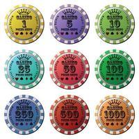 conjunto de fichas de pôquer com fundo branco isolado