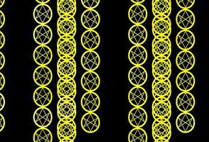 modelo amarelo escuro com sinais esotéricos.