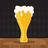 composição de celebração do dia da cerveja com copo cheio vetor