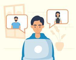 homem usando laptop para uma videochamada em casa