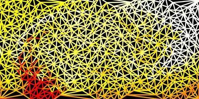 fundo de mosaico de triângulo de vetor vermelho e amarelo claro.