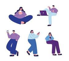mulheres e homens com smartphone e laptop conversando desenho vetorial vetor