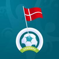 bandeira de vetor da Dinamarca fixada em uma bola de futebol
