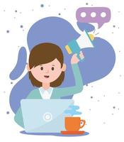 mulher com megafone e laptop trabalhando em tecnologias e comunicação de rede social vetor