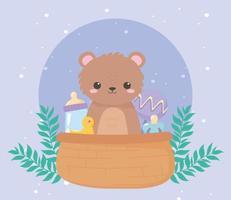 chá de bebê, chocalho de ursinho de pelúcia chupeta na cesta desenho animado, celebração bem-vindo recém-nascido vetor