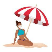 mulher afro com maiô usando máscara médica, turismo com coronavírus, prevenção covid 19 na praia vetor