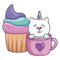 fantasia de unicórnio de gato fofo em xícara com bolinho vetor