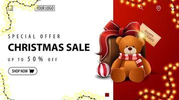 oferta especial, liquidação de natal, até 50 off, banner de desconto em branco e vermelho para site com presente com ursinho de pelúcia