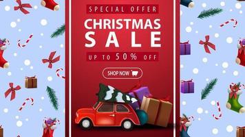 oferta especial, liquidação de natal, até 50 de desconto, lindo banner de desconto com fita vertical vermelha, textura de natal no fundo e carro vintage vermelho com árvore de natal