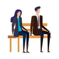 casal de negócios elegante sentado na cadeira do parque
