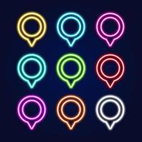 conjunto de vetores de sinal de néon isolado realista do pino do mapa para decoração e cobertura sobre o fundo azul. conceito de entrega, logística e transporte.