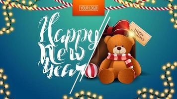 feliz ano novo, postal azul com guirlandas e presente com ursinho de pelúcia
