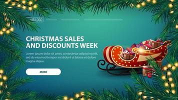 vendas de natal e semana de descontos, banner verde com guirlanda de ramos de pinheiro com guirlanda amarela e trenó de Papai Noel com presentes vetor