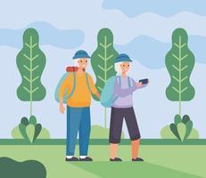 casal de idosos ativos caminhando no acampamento vetor