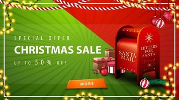 oferta especial, liquidação de natal, até 50 de desconto, lindo banner de desconto em vermelho e verde com guirlandas, botão e caixa de correio do papai noel com presentes vetor