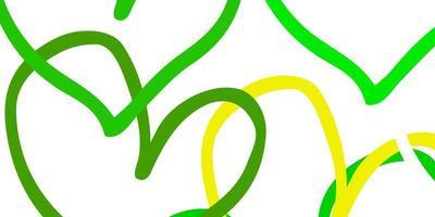 pano de fundo de vetor verde e amarelo claro com corações doces.