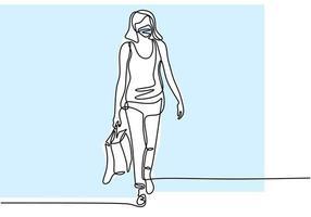 uma linha desenhando uma mulher com sacola de compras. jovem feliz usar uma máscara e ir às compras após o auto-isolamento em objeto isolado de pandemia com a mão em um fundo branco. ilustração vetorial