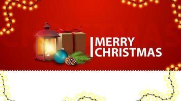 Feliz Natal, banner de saudações vermelho horizontal para site com presente, lanterna vintage, galho de árvore de Natal com um cone e uma bola de Natal
