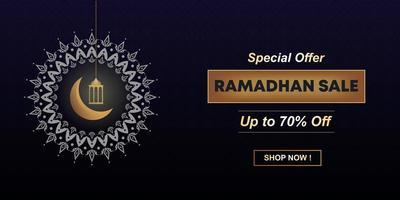 projeto islâmico ramadan venda com texto de desconto, oferta especial. banner de anúncio de modelo, cartão, promoção na web e pôster. lua islâmica e crescente.