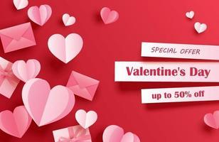 modelo de banner de venda de dia dos namorados com corações de papel em fundo vermelho pastel. usar para folhetos, cartazes, brochuras, desconto de voucher.