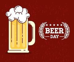 celebração do dia internacional da cerveja com caneca de cerveja vetor