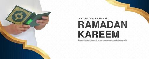 Ramadan Kareem de fundo vector com homem lendo o Alcorão em design 3D realista