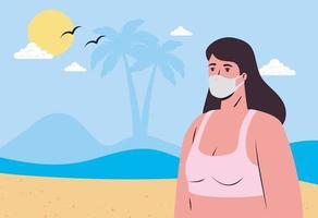 mulher em um maiô e máscara facial na praia