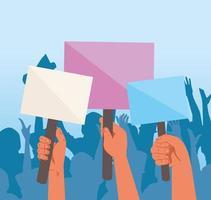 mãos levantadas segurando cartazes de protesto em branco