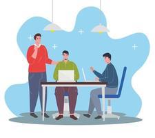 homens com laptops, conceito de trabalho em equipe