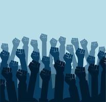 grupo de punhos erguidos no ar. grupo de manifestantes com punhos erguidos na ilustração vetorial de ar vetor