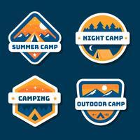 Coleção de Patch de acampamento de verão vetor