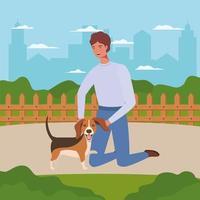 jovem com um cachorro fofo mascote no acampamento