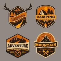 Conjunto de aventura de acampamento ao ar livre vetor