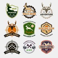 Conjunto de design de distintivo de caça e aventura para emblema vetor