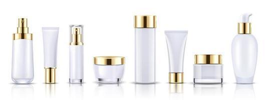 conjunto de frascos de cosméticos brancos e dourados para maquete de embalagem vetor