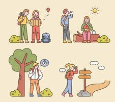 as pessoas estão caminhando com mochilas. olhando para o mapa, sentado em um tronco, procurando direções. ilustração em vetor mínimo estilo design plano.