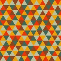 padrão sem emenda com triângulos laranja, vermelho, verde, cinza e marrom vetor