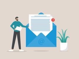 homem segurando um envelope enorme com carta, nova mensagem de e-mail, negócios e conceito de comunicação vetor