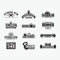 conjunto de modelos de design de logotipo de emblemas de fitness vetor