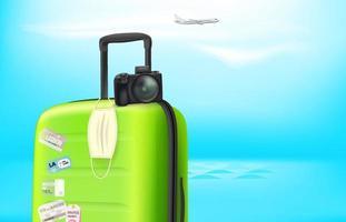 férias na pandemia. conceito com mala de plástico de cor e máscara de proteção. banner de vetor com espaço de cópia para um texto
