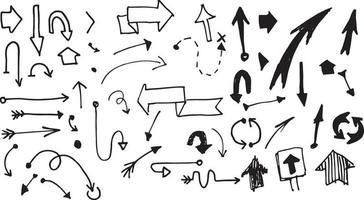 um grande conjunto de flechas de vetor de mão desenhada. doodle setas isoladas em branco.