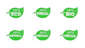 100 por cento certificado de qualidade eco fresco bio natural orgânico vegano coleção de crachás de produtos de folha verde. Ilustração em vetor ecologia saudável planta etiqueta conjunto isolado eps