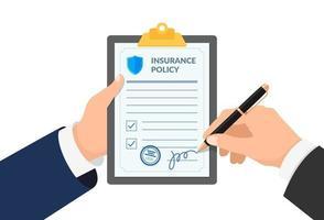 mão de agente de seguros segurando a área de transferência com o formulário de política e empresário assina o documento de proteção do acordo. ilustração em vetor fazer acordo compensação contrato legal
